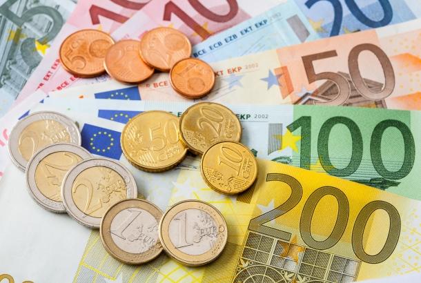 Papieren geld en euromunten