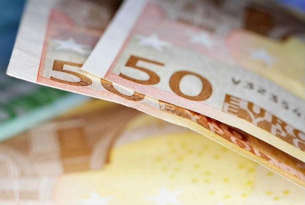 twee briefjes van 50 euro